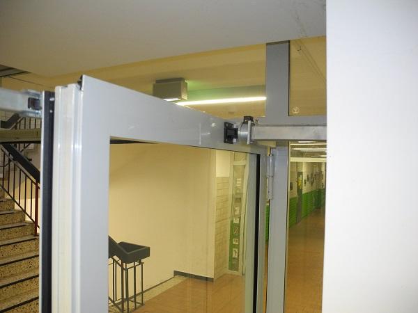 Porte coupe-feu avec ventouse électromagnétique - Quickborn