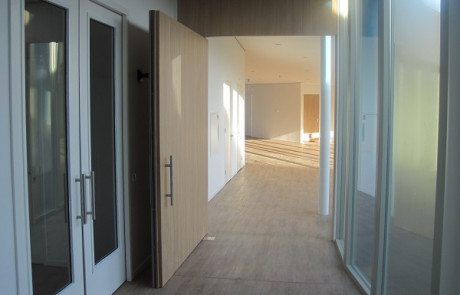 Only a WAB 180 floor spring can close the four pivot doors