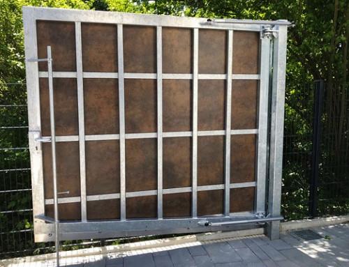 Portes battantes à l'extérieur – fermeture sûre et sans accident aussi dans des circonstances difficiles